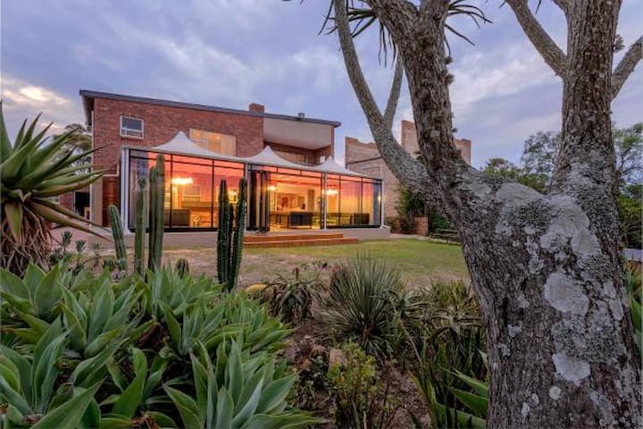 Beautiful home on the River by Addo