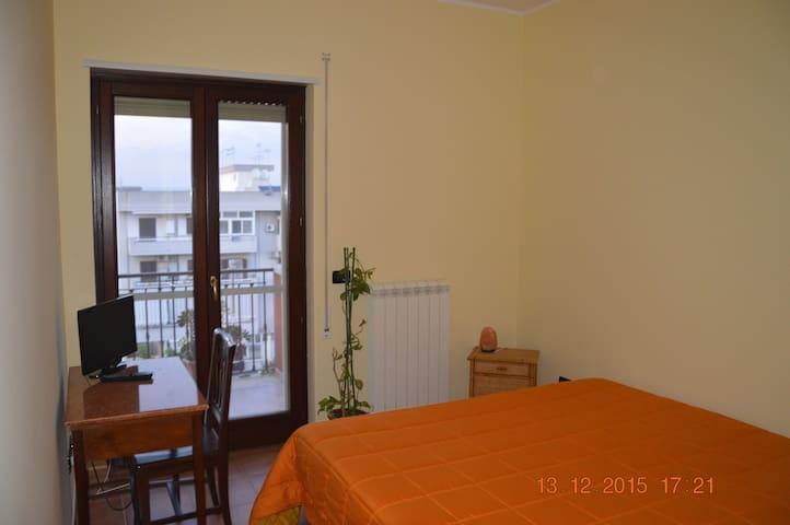 Affittacamere in appartamento - San Giorgio Ionico - Apartamento