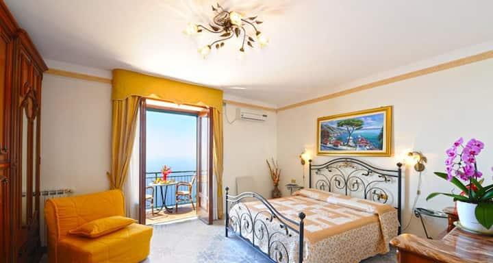 casa Ravello (2camere da letto bagno e terrazzino)
