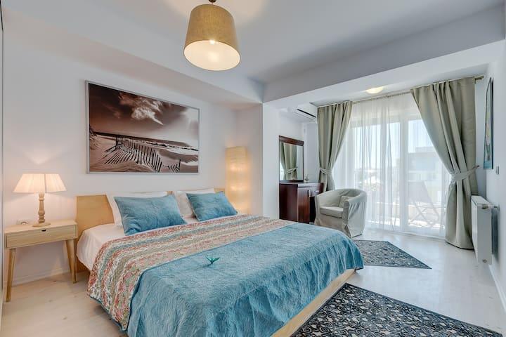 Private Condo Apartment @ Otopeni Airport