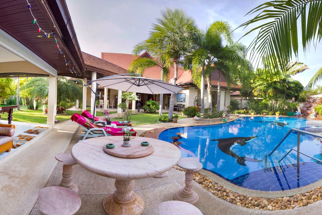 Day time Panoramic of this Stunning Garden & Pool