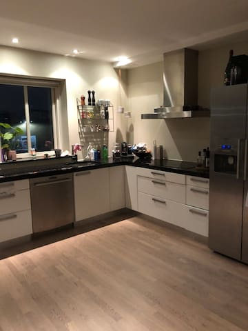 Family friendly flat close to town