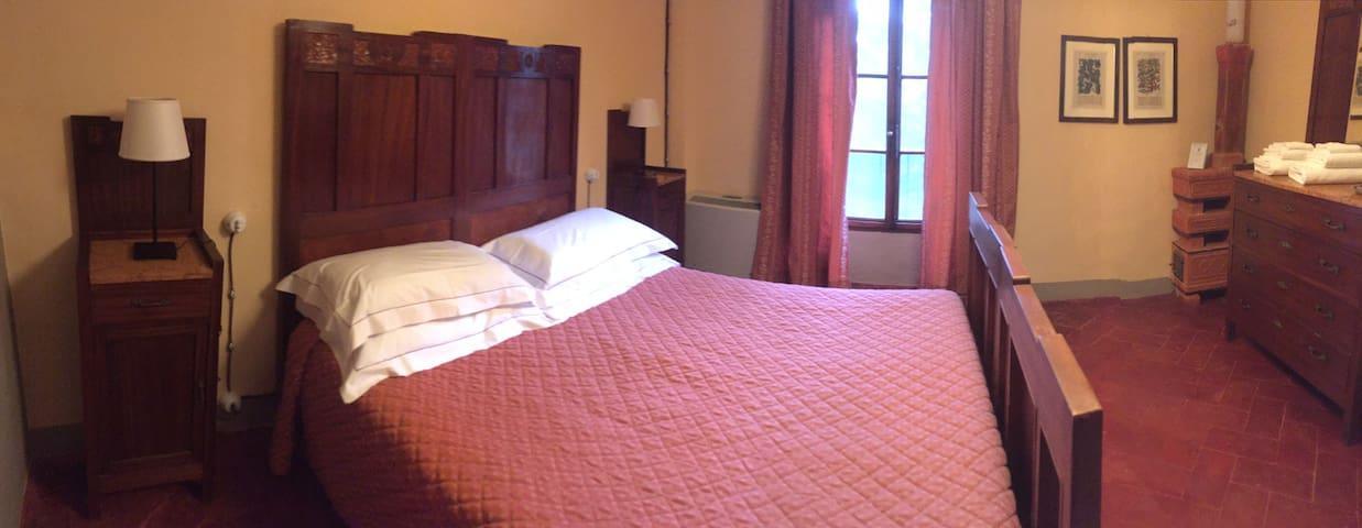Camera con bagno privato in Villa storica - Poggibonsi - Bed & Breakfast