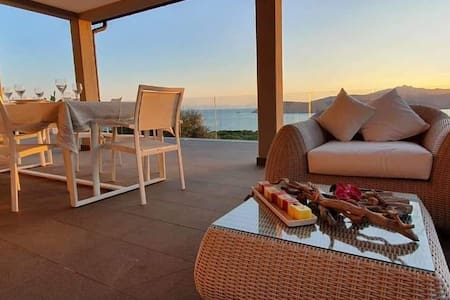 Sensational semi-detached villa - Astonishing view