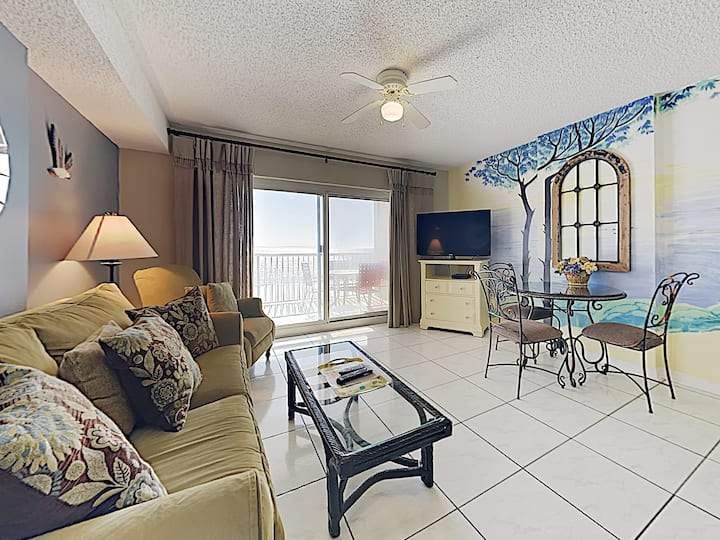 Charming Private Condo on the Sand of Gulf Shores