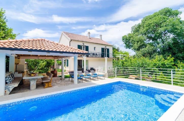 Beautiful Countryside Villa