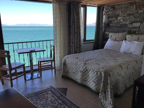 Private Room With View of Lake in Fulya Pension
