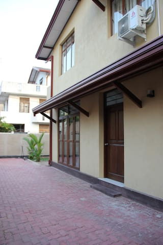 Spacious Apartment near Bus Line - Maharagama