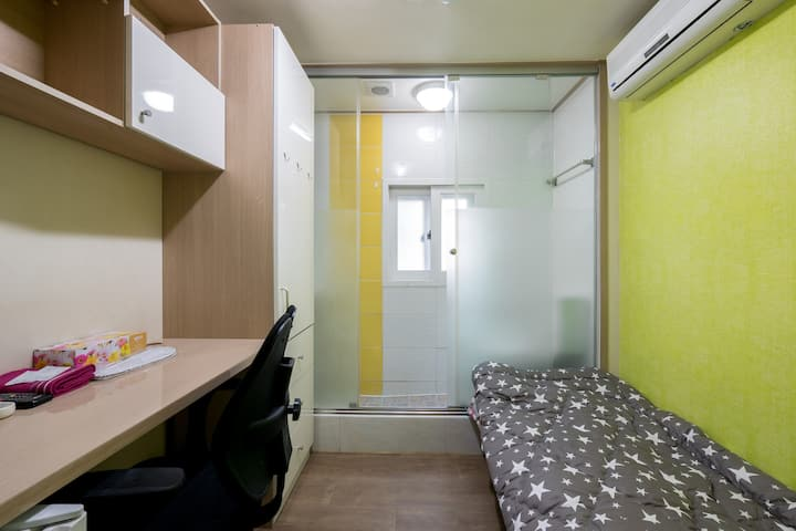 홍대역 5분 레지던스급 개인 화장실 개인룸 Personal Toilet 個室_2