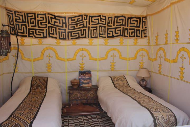 Afrikaanse Tent op dakterras van Riad Kastam - Marrakesh - Departamento