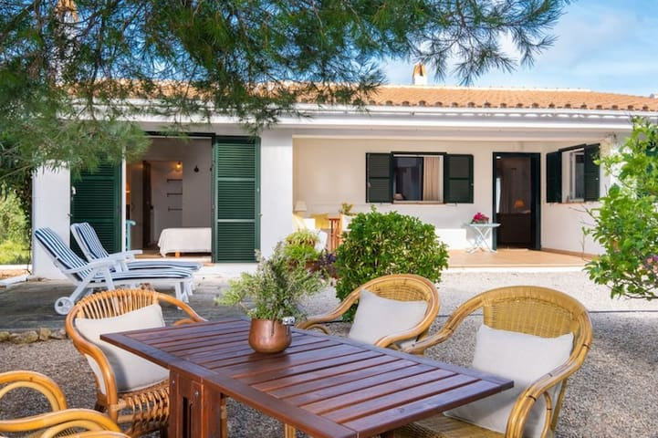 Fantastic Finca with Sea View, Wi-Fi, Air Conditioning, Garden and Lounge Area