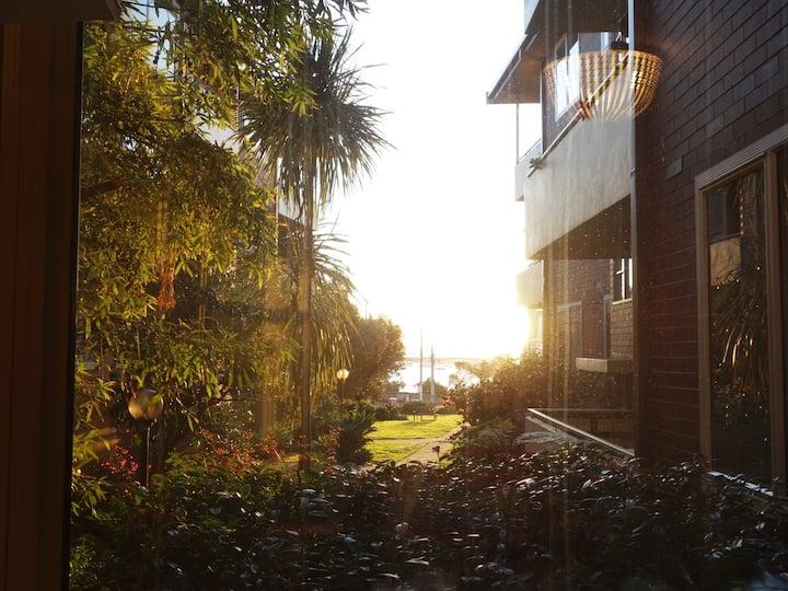 Seaview St Kilda beach Esplanade flat Renovated