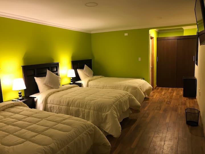 SHEUEN-Habitación Triple  con baño privado 13
