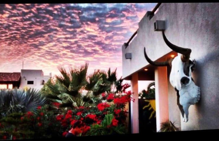 El Pescadero Beach house 2BD/2BA 1 block off beach