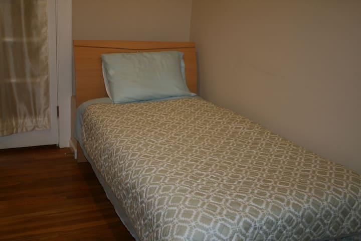 Solo Travelers Special-Central Richmond remodeled