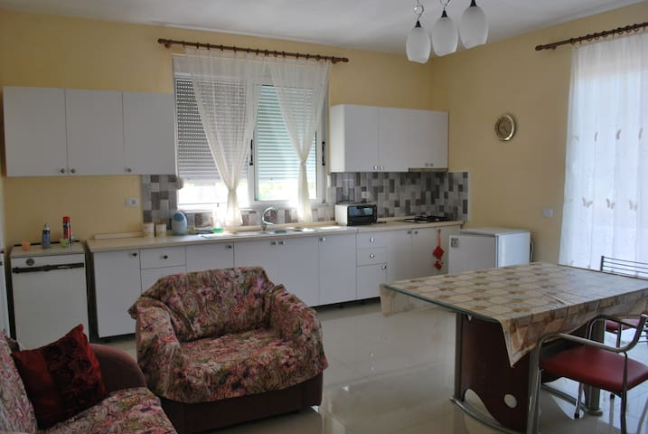 Comfortable apartment near the sea2 - Borsh - Casa
