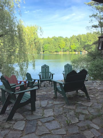 Gorgeous, Secluded, Lakeside Lodge - Granville - Stuga