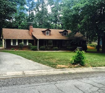 House on the Lake - Atlanta GA - Ellenwood
