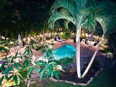 Incantevole casa con piscina riscaldata, scalini per la spiaggia-Unità A
