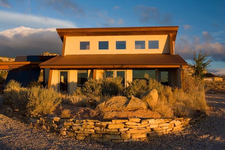 La Luz Desert Retreat - Escalante - Dům