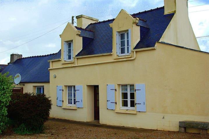 maison indépante  a 5 minutes de la plage - Plougoulm - House