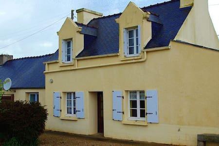 maison  a 5 minutes de la plage - Plougoulm