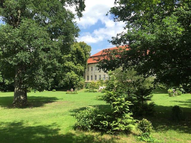 Wohnen im Schloss - Genthin - Hrad