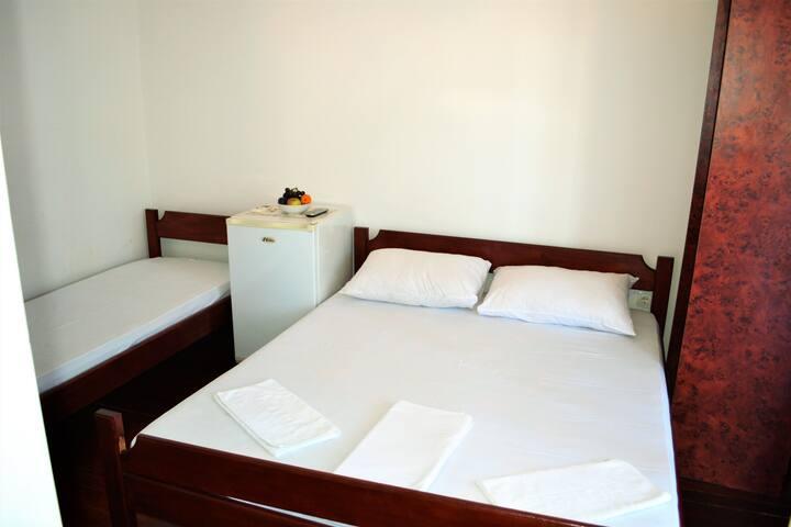 Three bed room in Budva - Villa Kuljic on the 3rd - Budva - Villa