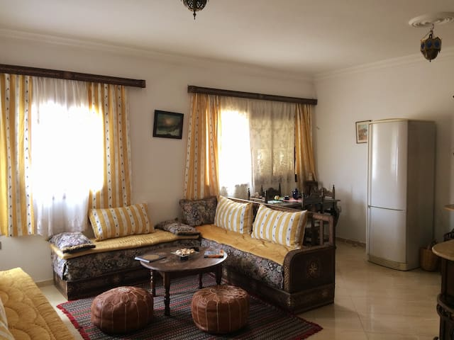 Sunny apartment with roof terrace  in Asilah
