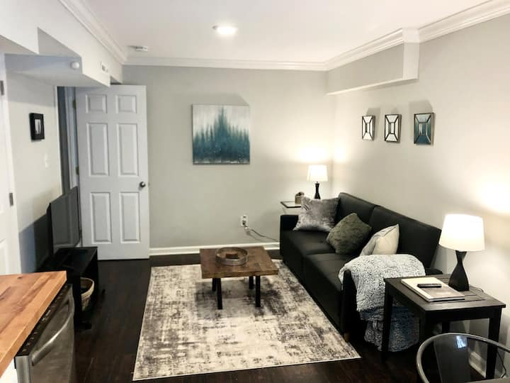 Private Apartment Minutes From DT Charlotte!