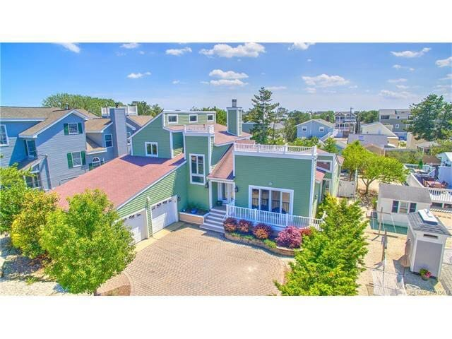 *** BEACH HAVEN 4 bed/3 bath BEACH HOUSE ***