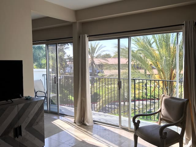 Lovely la Costa chateau  sleeps 4 - Carlsbad - Appartement