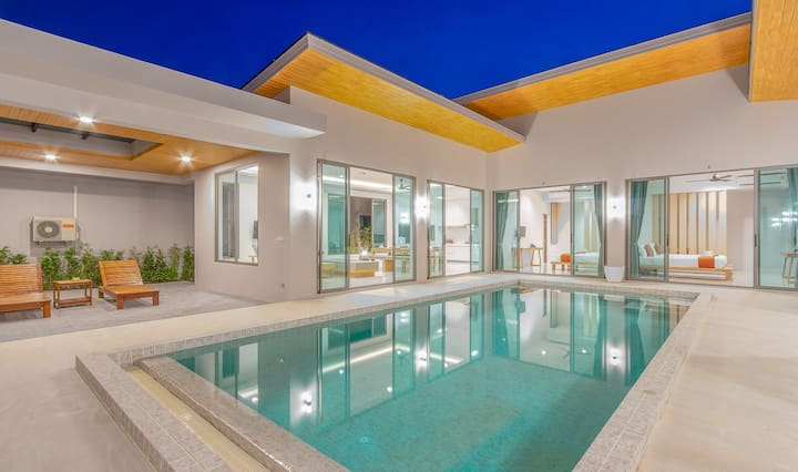 4B! Brand New Modern Luxury Private Pool Villa