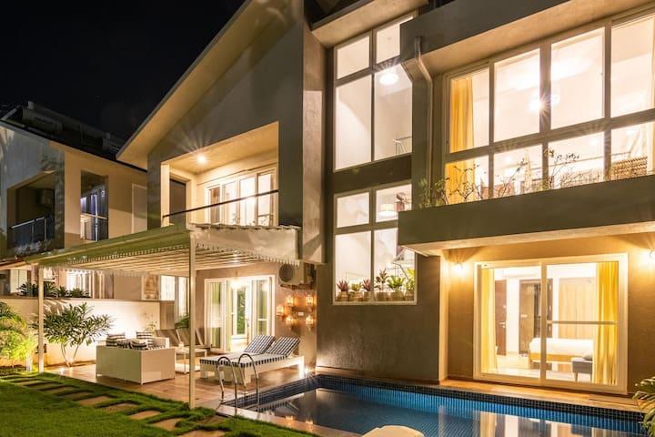 Luxury 3 Bedroom Private pool Villa at Anjuna!