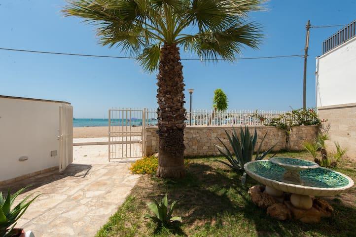 SALENTO..Villetta sulla spiaggia - Porto Cesareo - Villa