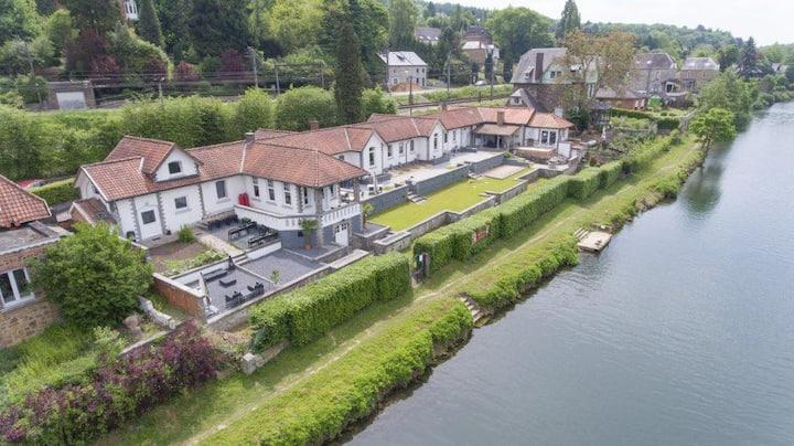 La Villa VDK : chambre vue sur Meuse / Turquoise