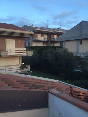 Catania In villa residenziale località cerza