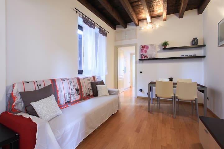 "Nice Flat in Milan, near ""Navigli"" - Milaan - Appartement"