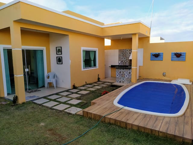 Casa nova em Jauá com piscina e churrasqueira