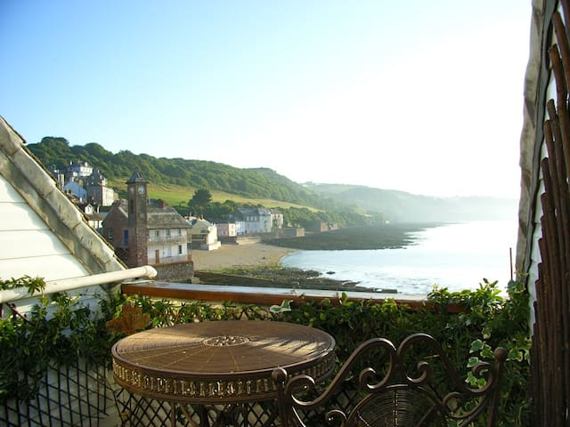 Beachfront House  in Cawsand SE Cornwall - Cawsand
