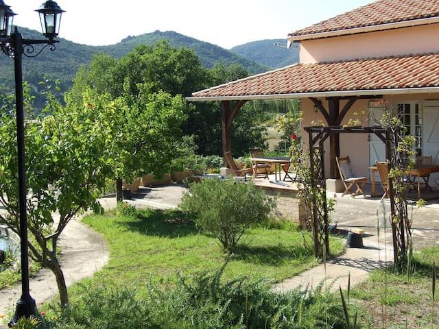 Modern villa in quiet village - Le Pradal - Talo