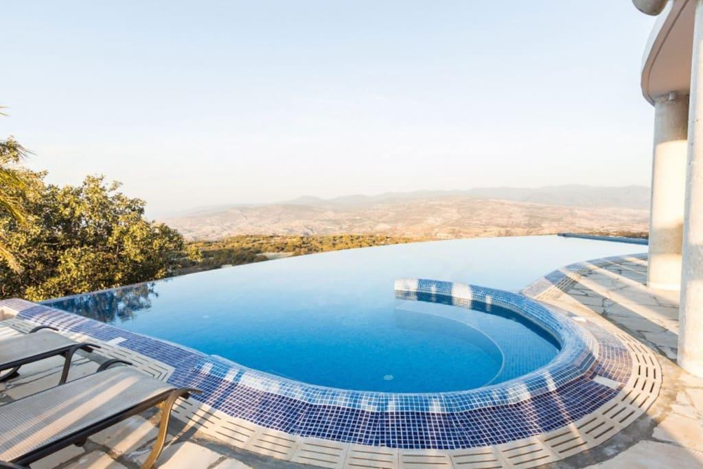 Infinity Pool with Stunning Views