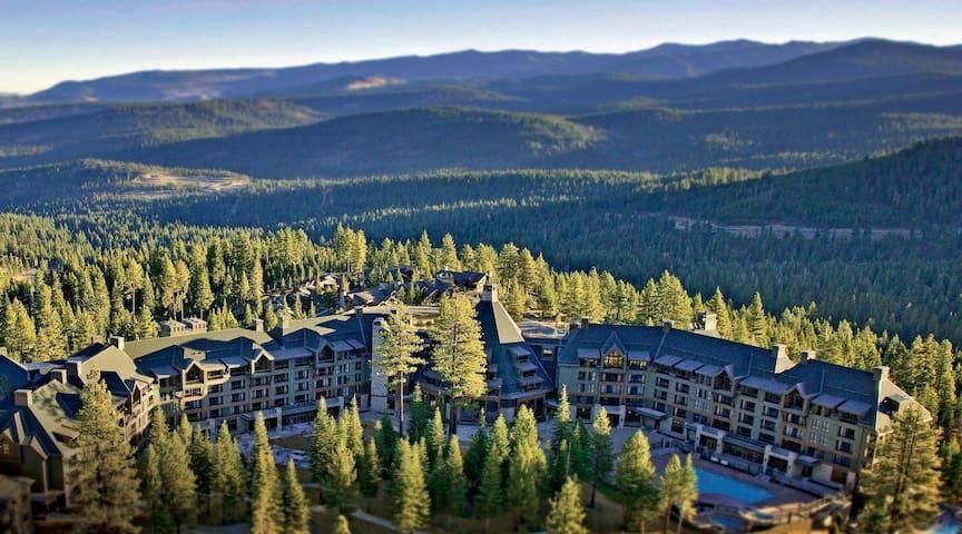 Ritz-Carlton Club Lake Tahoe 4BR - Ski-in-Ski-out