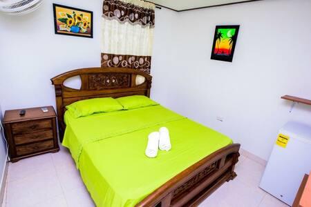 Posada Omi Place - Habitación Paraíso