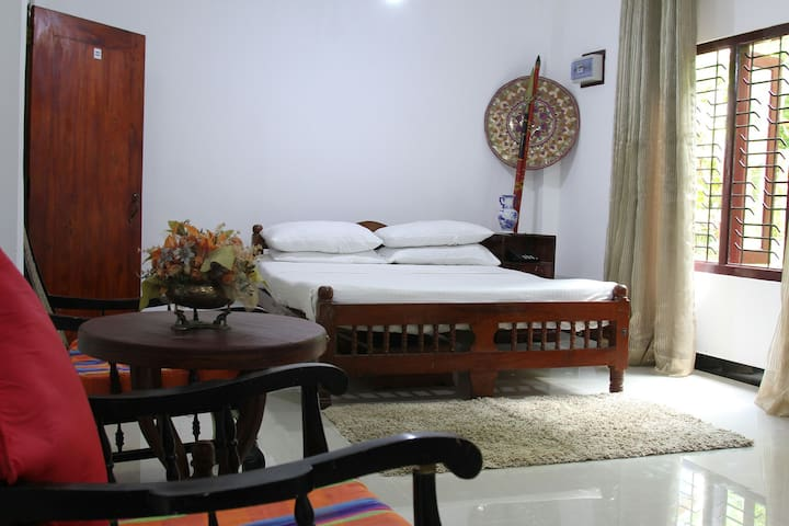 3 Holiday Rooms in Hikkaduwa. - ヒッカドゥワ - 一軒家