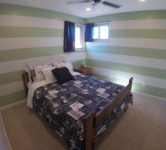 Relaxing Travelers Room - Eco Friendly - Bunk opt. - Littleton - House