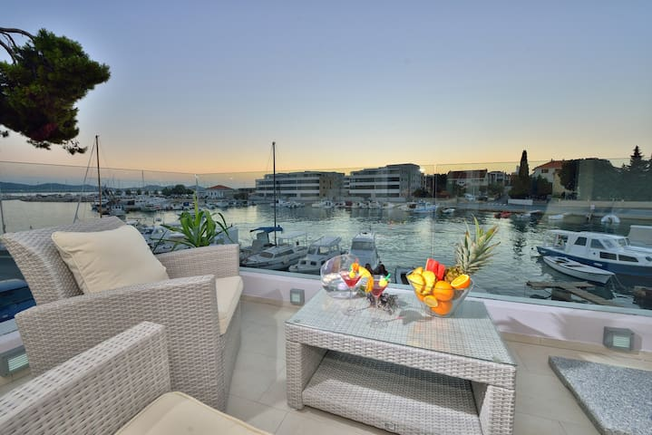 Deluxe apartment with sea view - Zadar - Departamento