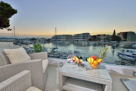 Deluxe apartment with sea view - Zadar - Lejlighed