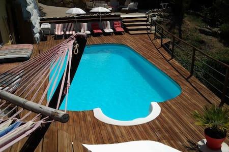 Belle villa piscine colline Niçoise - L'Escarène