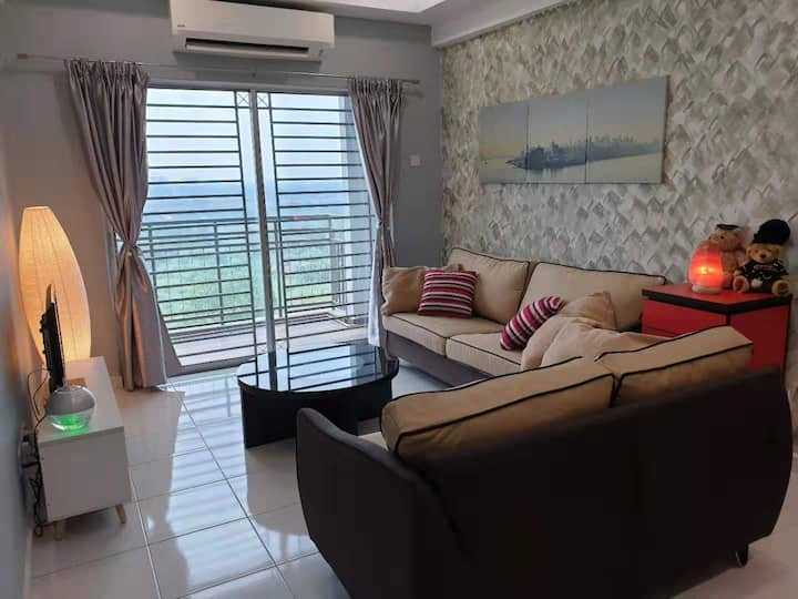 2BR  6pax  Little Home with Happiness   2 carparks